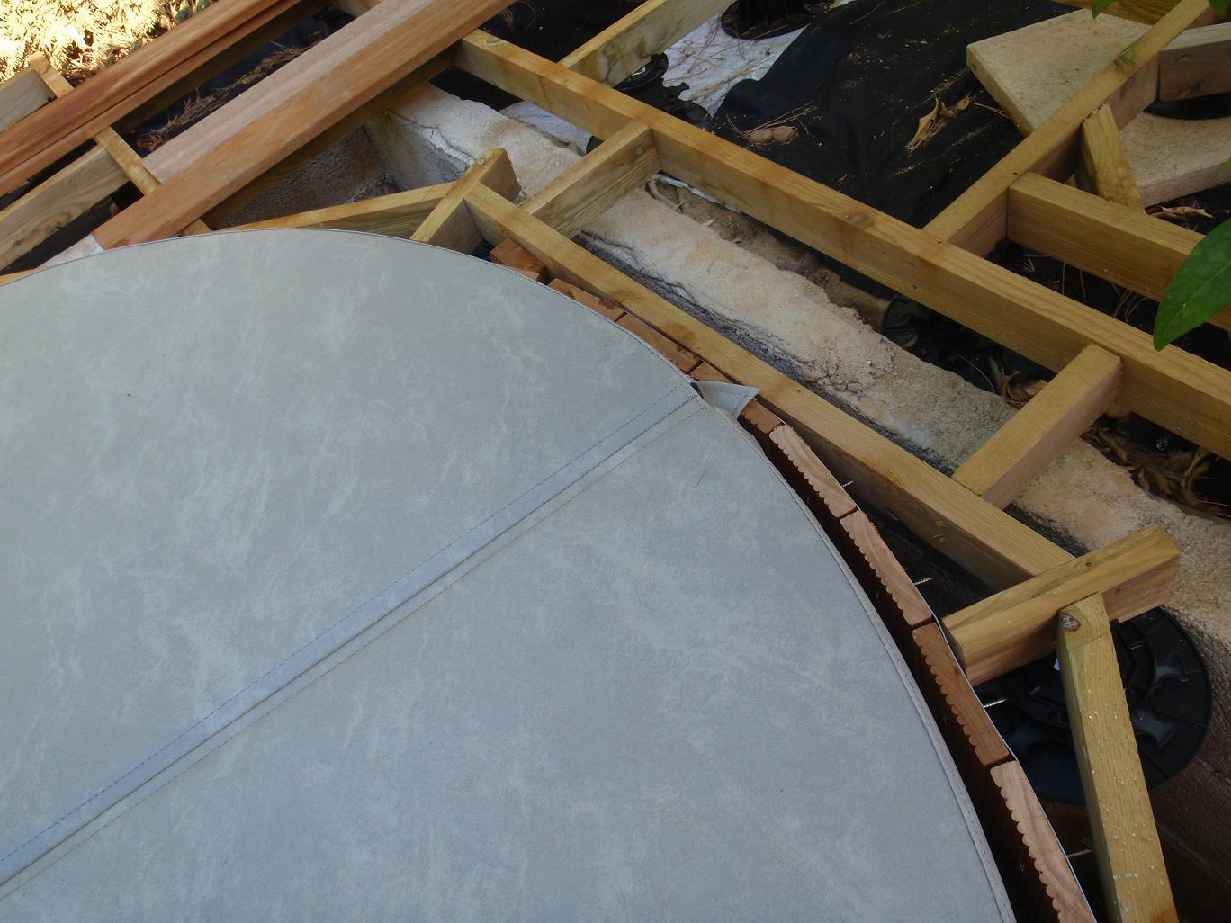 Insertion d 39 un spa dans une terrasse en bois terrasse en for Decaper une terrasse en bois