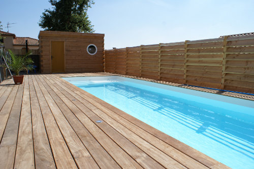 Des piscines en bois d 39 exception terrasse en bois for Plus belle piscine du monde