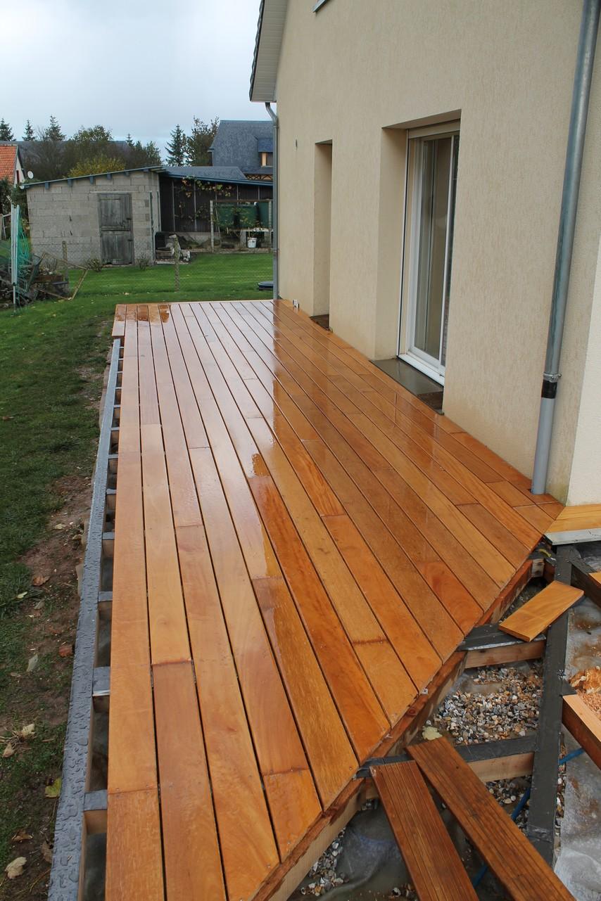 Realisation terrasse bois plot beton for Construire terrasse beton