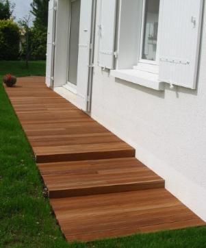 La bankira sur dalle de bernard terrasse en bois for Faire de l ombre sur une terrasse