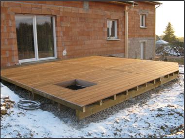 une tr mie rectangulaire terrasse en bois comment. Black Bedroom Furniture Sets. Home Design Ideas